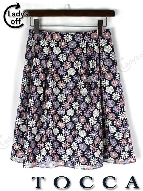 トッカ [ tocca ] 花柄刺繍 フレアー スカート 紺色