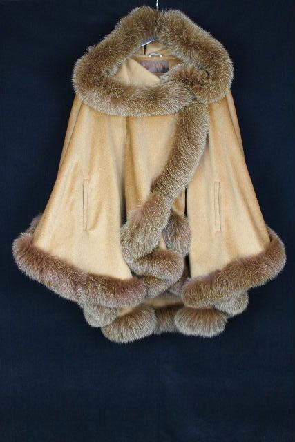 バルマン [ BALMAN ] フォックスファー フード付き カシミヤ コート ベージュ レディース ケープ ポンチョ 毛皮