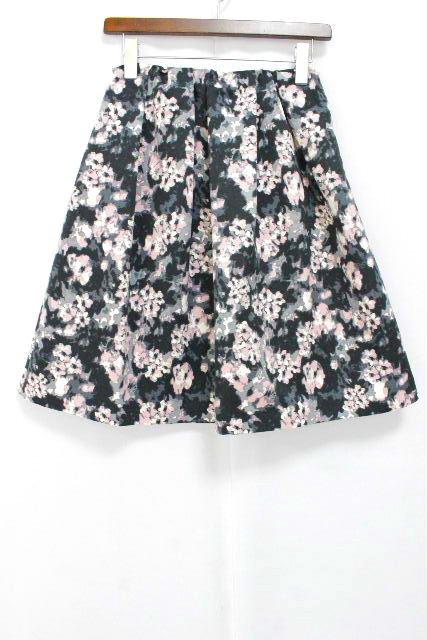 トゥービーシック [ TOBECHIC ] フラワー フレアースカート ブラック 黒 SIZE[40] レディース ボトムス スカート 花柄
