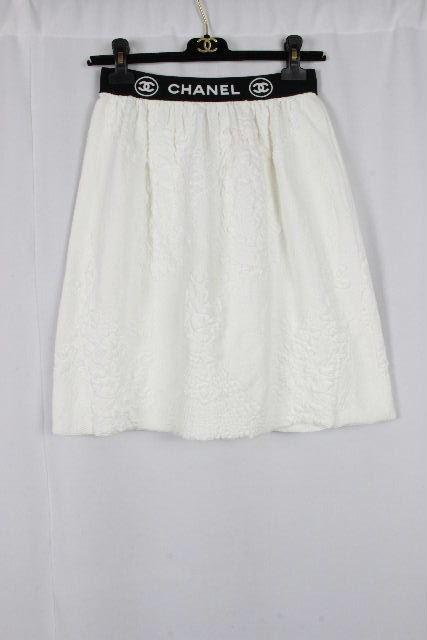 シャネル [ CHANEL ] ロゴ バイカラー フレアー スカート ホワイト 白 SIZE[36] レディース ボトムス P28533