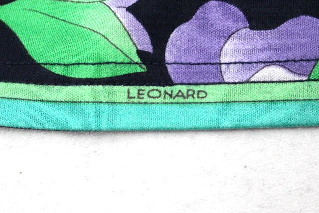 レオナール [ LEONARD ] フラワー フリル フレアー スカート ネイビー 紺色 SIZE[66] レディース ボトムス スカート 花柄