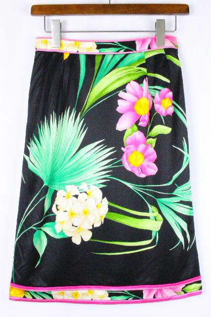 レオナール [ LEONARD ] フラワー フレアー スカート ブラック 黒 SIZE[80] レディース スカート ボトムス 花柄